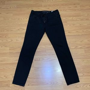 American Eagle Black Jegging pants